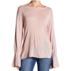14th & Union bell sleeve sweater